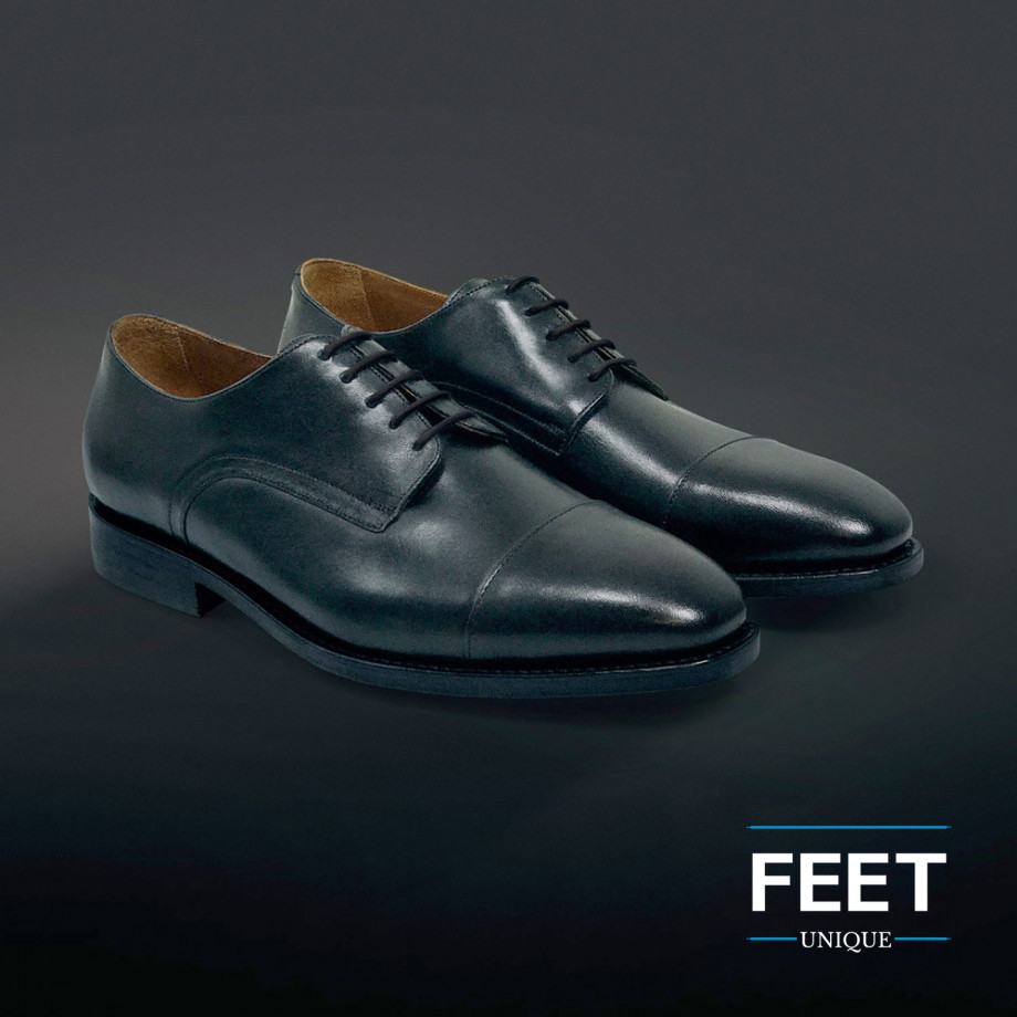 Flade, hvide no tie snørebånd ← Slip for at binde dine sko